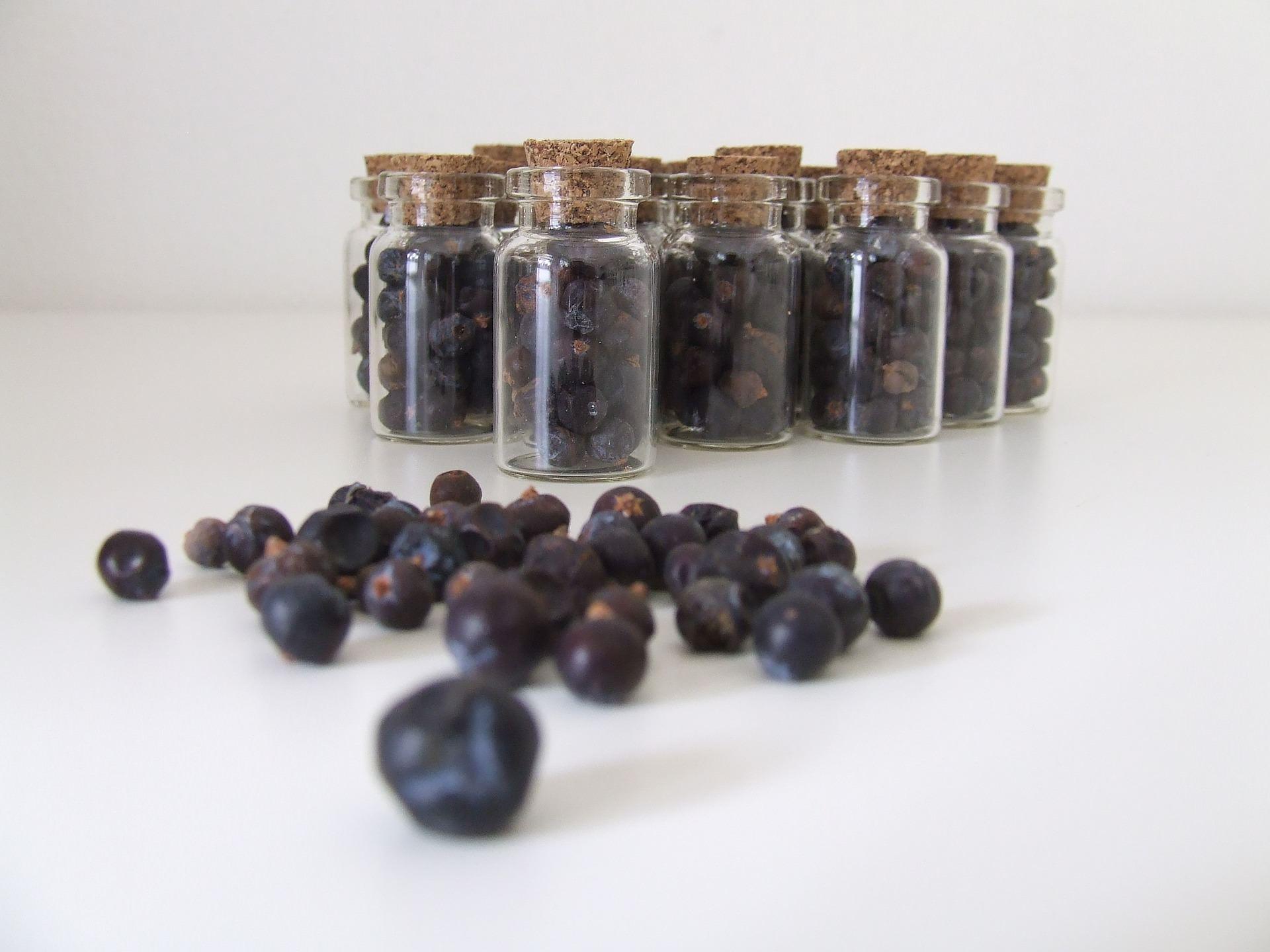 Ätherische Öle in Gin, Likör, Brand und Destillat